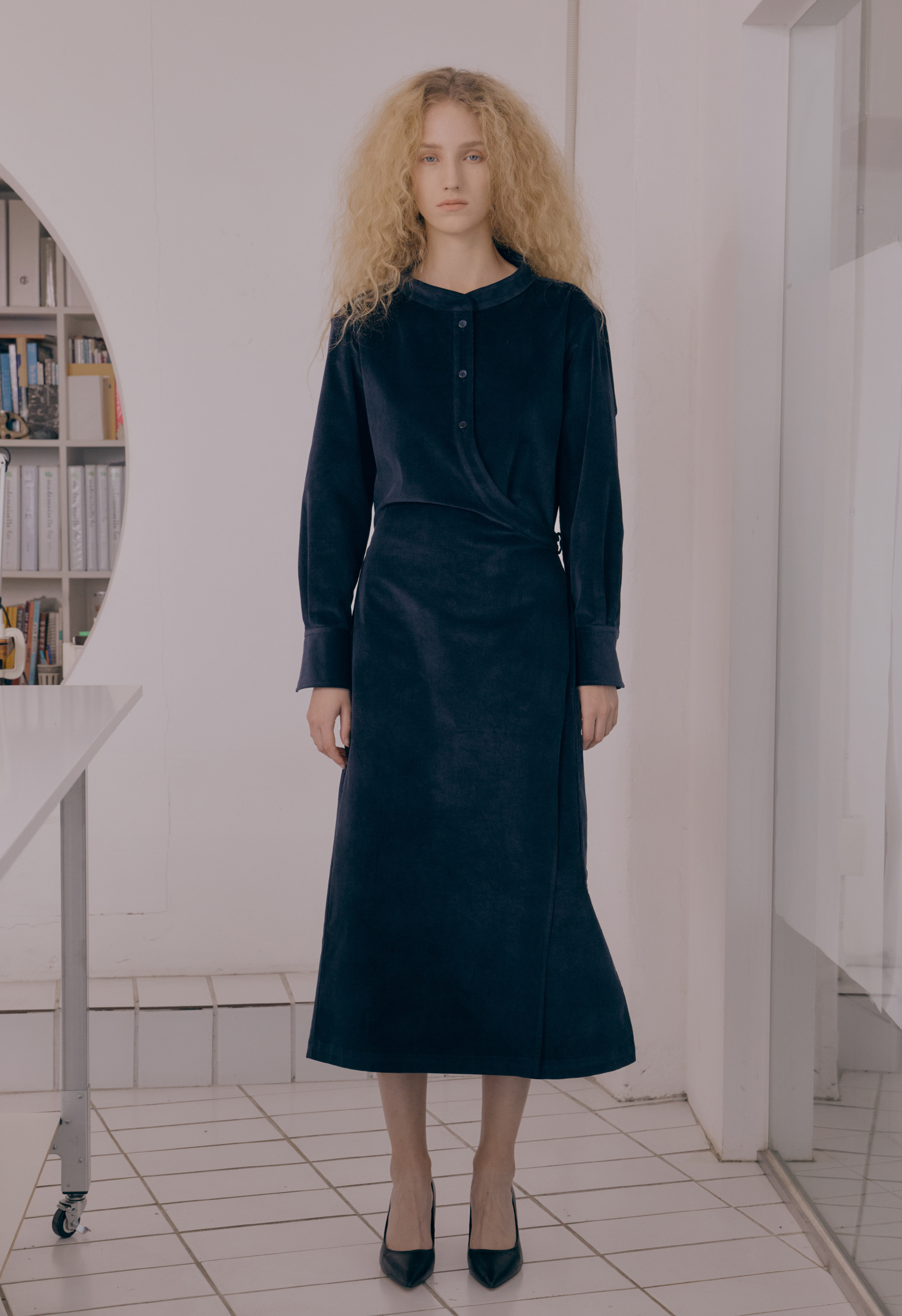 [NEW] CORDUROY WRAP DRESS (NAVY)