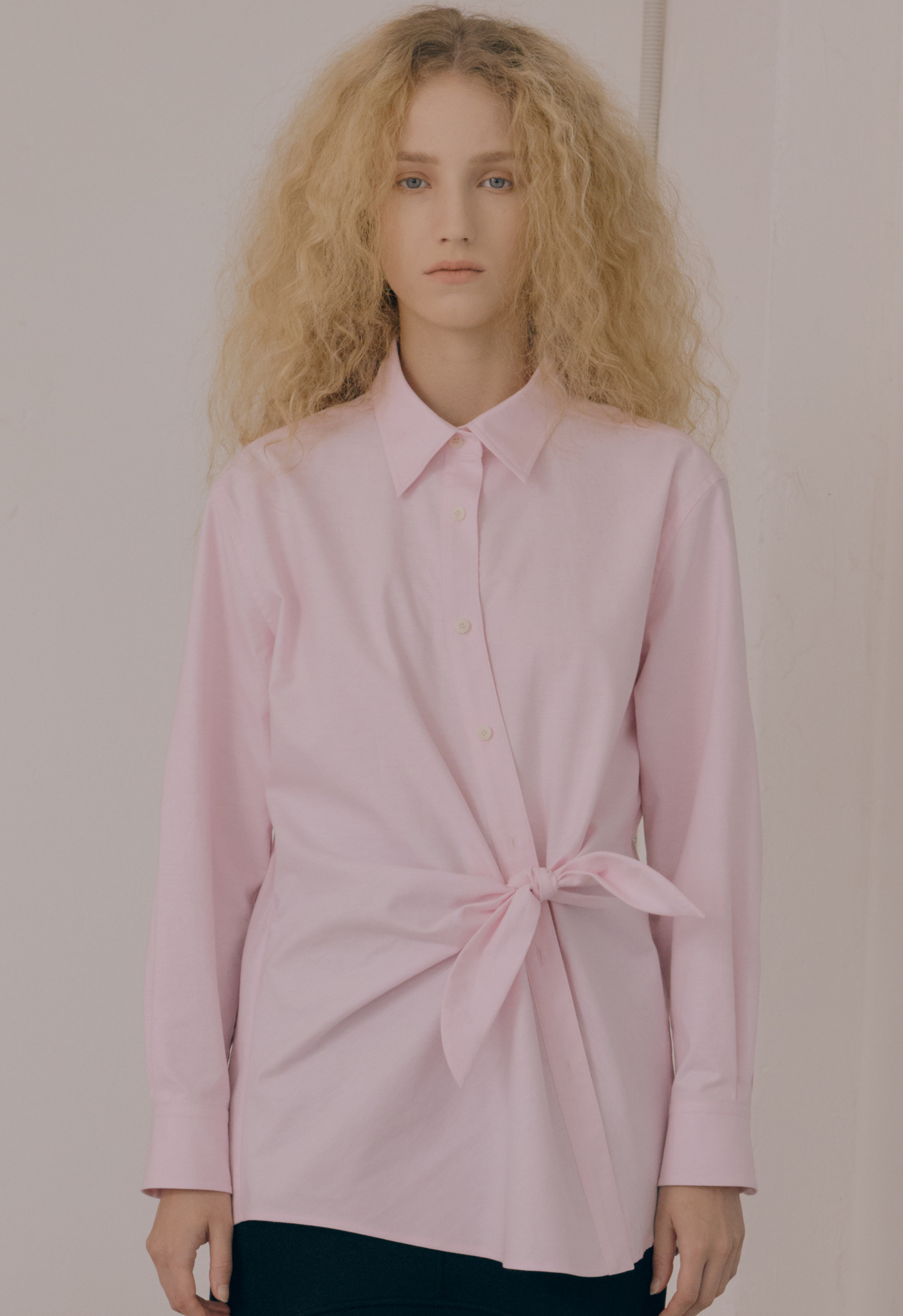 [엄현경 착용] [NEW] OXFORD RIBBON SHIRT (PINK)