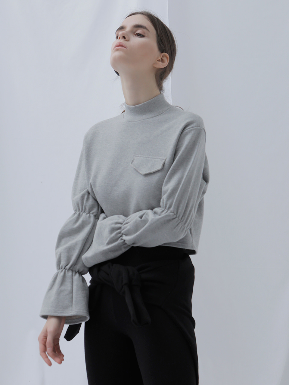 [EVENT] 17 WINTER shirring crop sweat-shirt (gray)