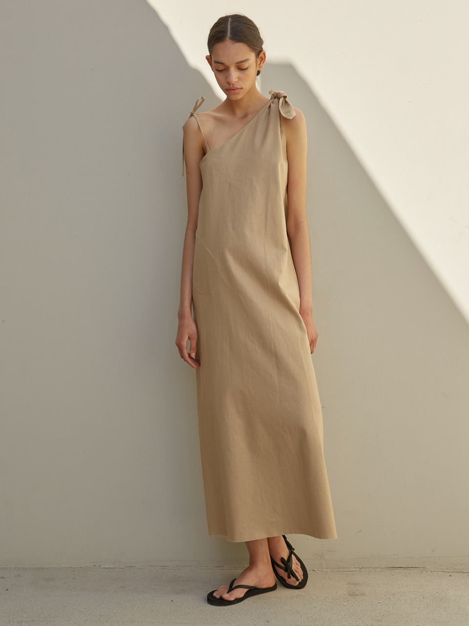 [EVENT] 19 SS unbalanced ribbon linen long dress (beige)