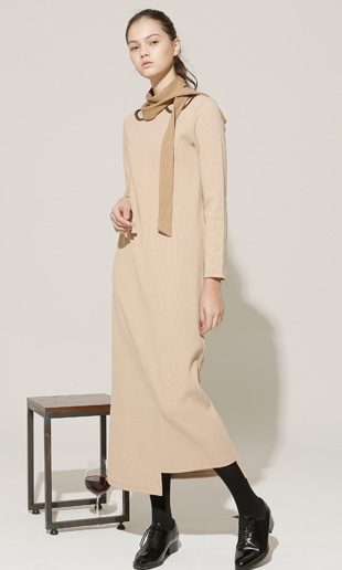 [EVENT] cut out halter-neck long dress (beige)