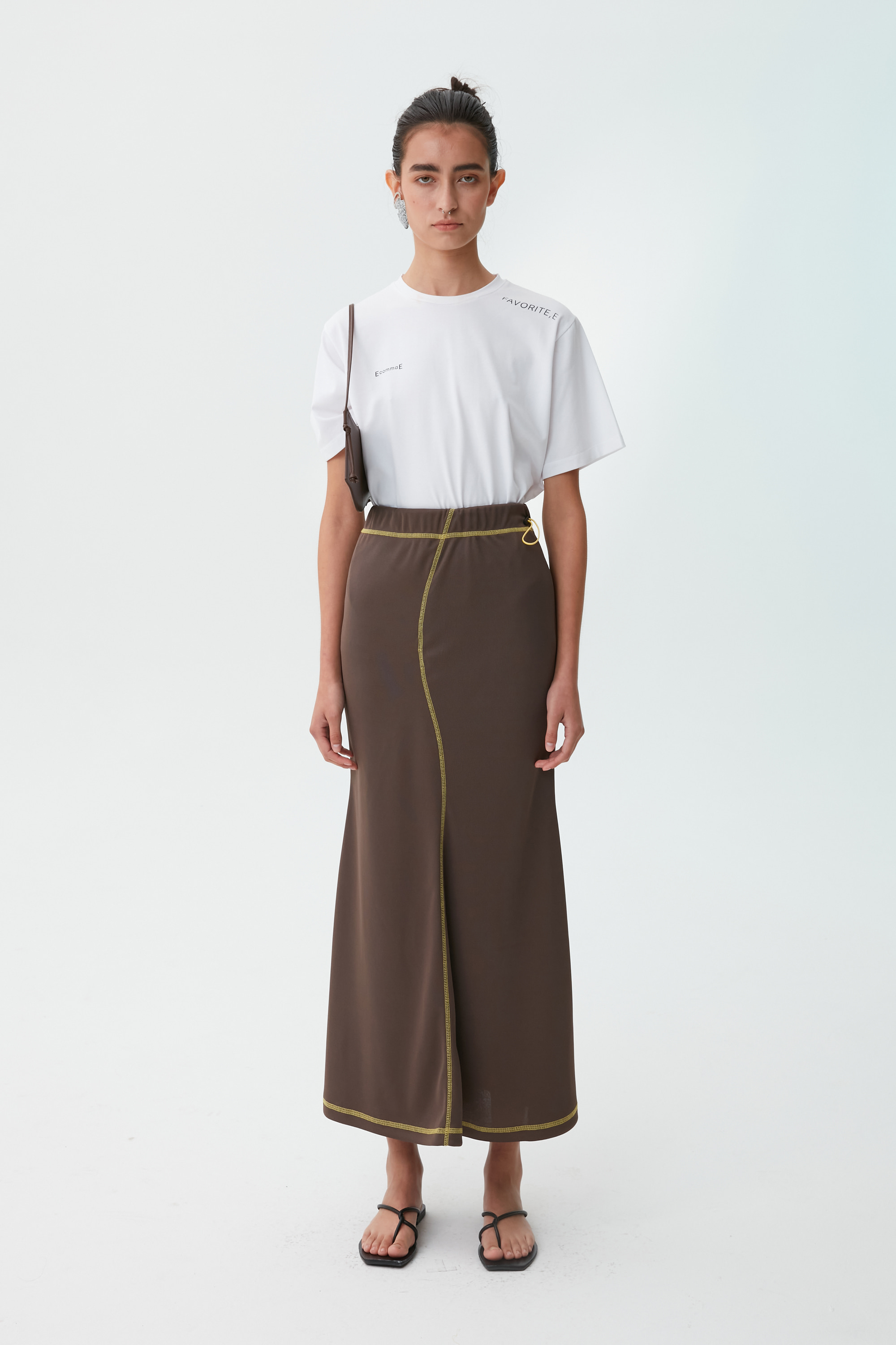 [21 SUMMER] WAVE FLARE SKIRT (BROWN)