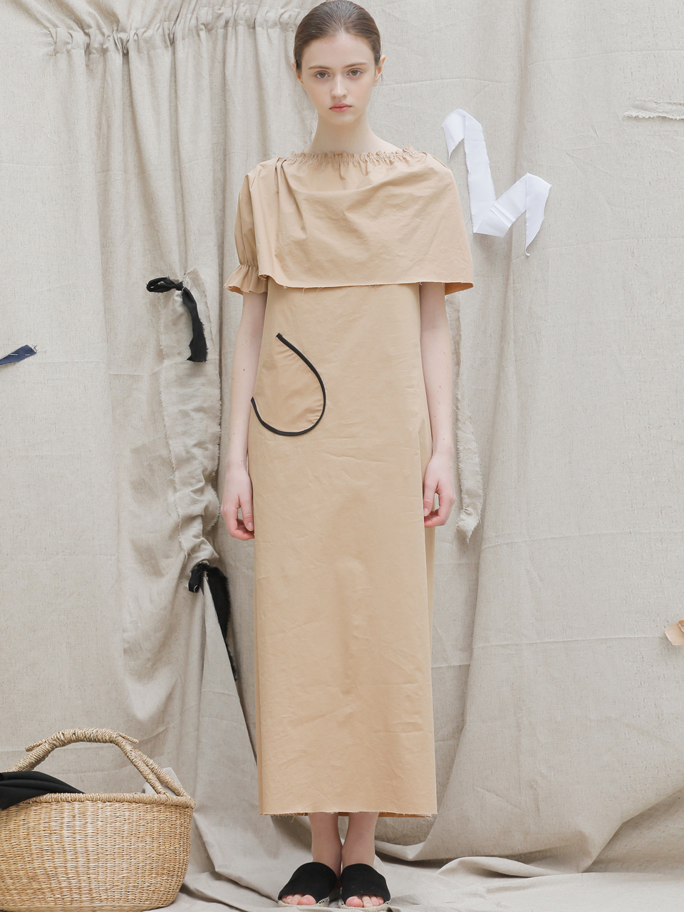 [EVENT] 17 SS cape long dress (beige)